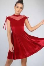 Kadın Kırmızı Üstü Tül Ve İnci Detaylı Eteği Pileli Likra Kadife Elbise S-19K2800046