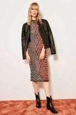 Kahverengi Fermuarlı ve Yılan Desenli Triko Elbise TCLAW19DU0173